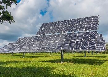 Solenergi tangerer for første gang kjernekraft
