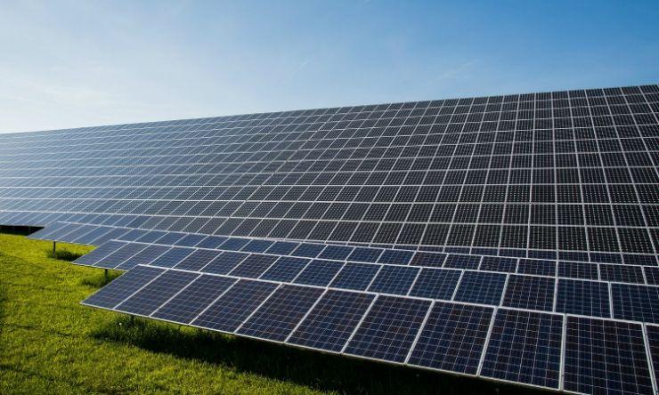 Suksessen til vind- og solenergi er drevet av politisk støtte