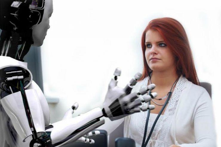"""Sykehus i Japan """"ansetter"""" robotsykepleiere"""